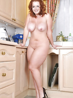 Naked Sexy BBW Girls