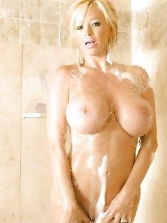 Naked Girls in Shower