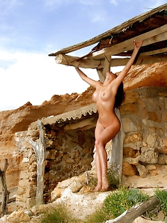 Outdoor Naked Girls