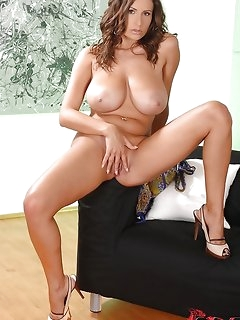 Naked Sexy BBW Girls